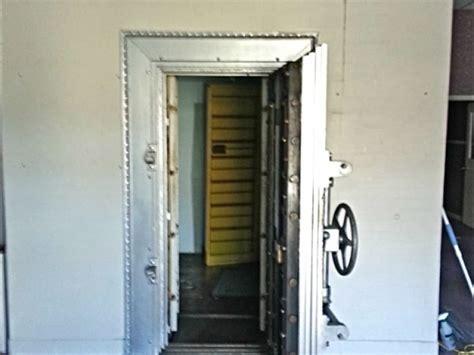 buy a ton of woodbridge history bank vault door is for