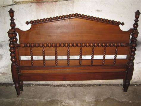 jenny lind queen bed antique jenny lind american spool bed full queen size antique price guide details page