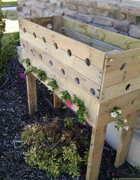 Pallet Planter Box For Cascading Flowers Her Tool Belt Pallet Planter Boxes