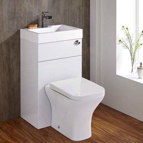 toilette mit waschbecken eckige toilette mit sp lkasten