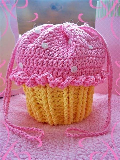 crochet pattern cupcake purse cupcake party purse loom knitting inspiration