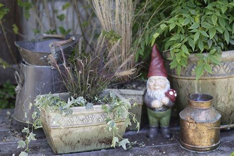 abbellire un giardino come abbellire il giardino con colori e qualche