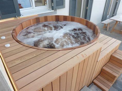 fabriquer une baignoire en bois spa bois haut de gamme et fabriqu 233 en o biozz