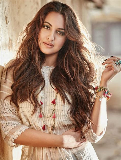 film actress sonakshi sinha images bollywood actress sonakshi sinha hot filmfare poses pics
