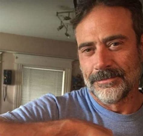 jeffrey dean morgan tattoos actor sees selling puppies buys the sick one