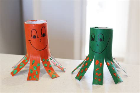 Easy Crafts Using Toilet Paper Rolls - cardboard octopus critters my kid craft