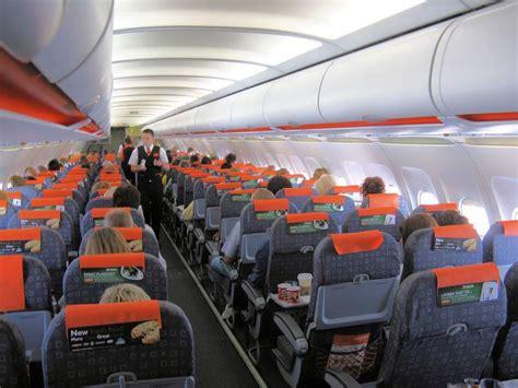 interno aereo easyjet seguridad a 233 rea aclara que s 237 se podr 225 n facturar m 243 viles y