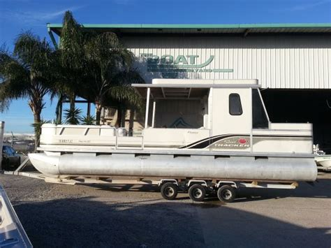 pontoon boats for sale new orleans 2004 sun tracker party hut regency edition pontoon for