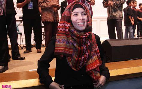 tutorial pashmina joyagh hijab ala alyssa soebandono pasca menikah tutorial