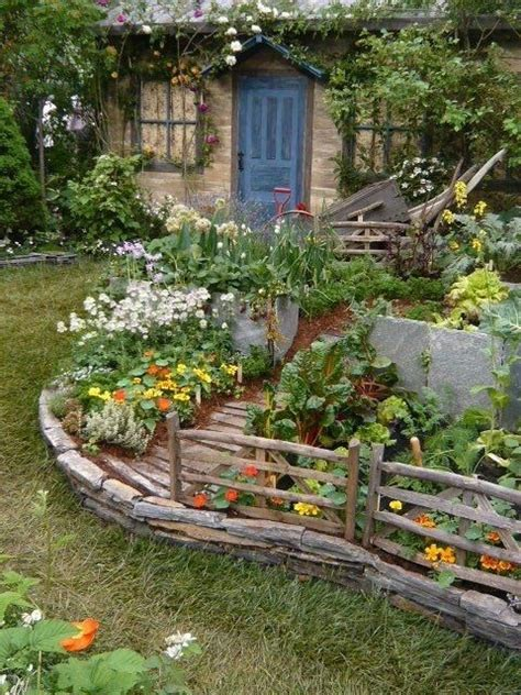 cottage vegetable garden blue cottage door and vegetable garden i cottages