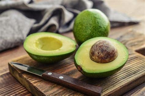 avocado in cucina come si mangia l avocado i trucchi per sceglierlo e gli
