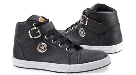 Free Ongkir Sepatu Boot Gagah Pria Adidas Whiskey Safety sepatu kets pria giardino gro390