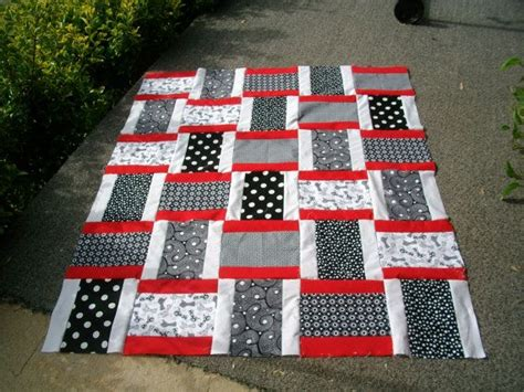 Black And White Quilts For Sale by Quilt By Somersetquilter42501 On Etsy 59 99 Quilt