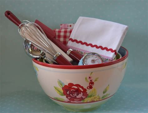 kitchen gift basket ideas 25 best ideas about kitchen gift baskets on pinterest