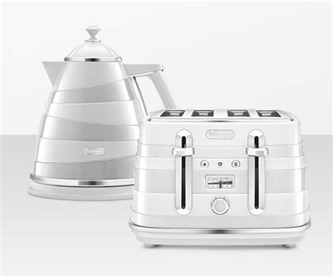 Delonghi Vintage Icona Toaster Black Kettles And Toasters