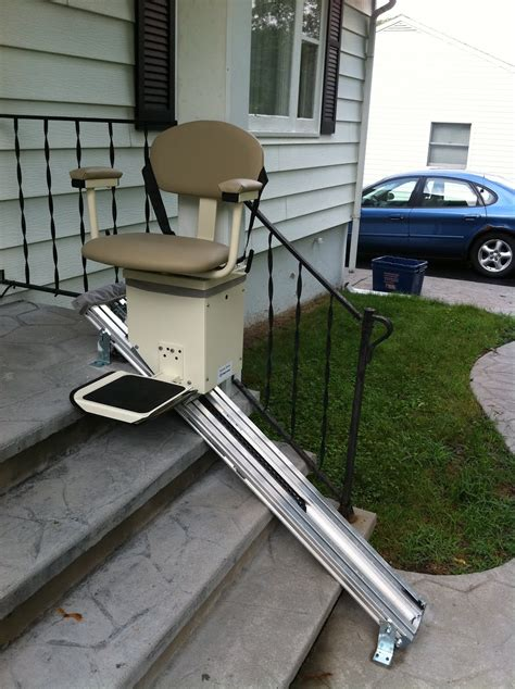 Chair Lift For Stairs by Special Handicap Stair Lift Door Stair Design