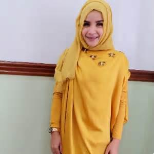 Madina Syari White warna mustard gold desainrumahid
