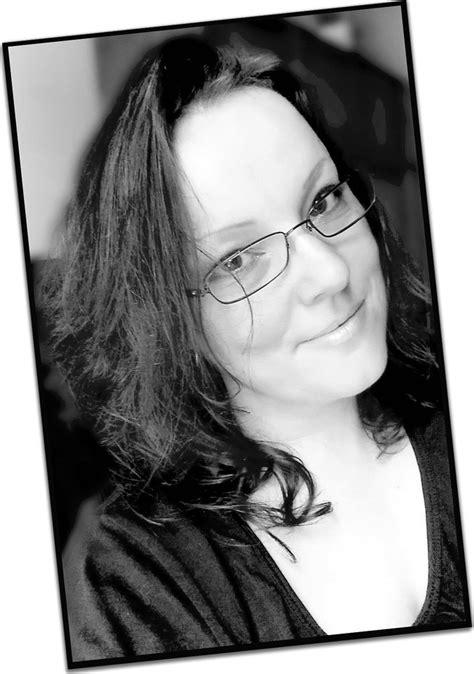 Christy Saubesty (Author of Je te Protègerai)