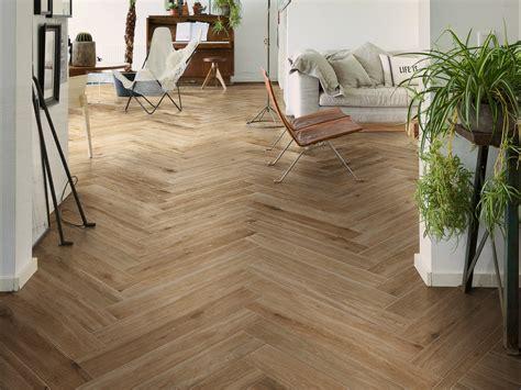 pavimenti marazzi effetto legno pavimento in gres porcellanato effetto legno woodglam by ragno