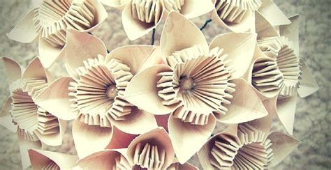 Decorations To Make With Paper - 17 paper decorations for your diy wedding the paper
