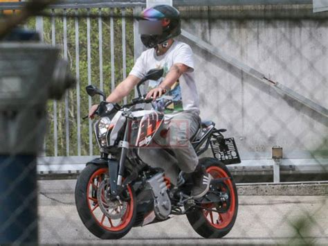 Ktm Electric Motorcycle Price Electric Ktm Duke Spied Testing Drivespark