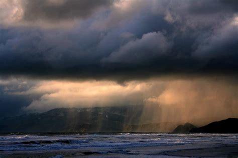 wallpaper awan hujan lanskap badai pantai awan hujan laut laut resolusi hd