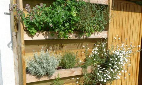 fabriquer un jardin vertical mon potager en carr 233 s
