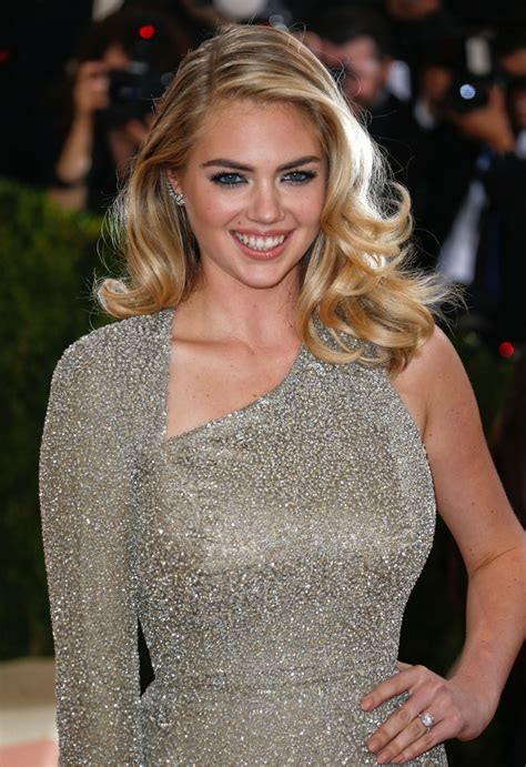 kate upton kate upton at costume institute gala 2016 in new york 05
