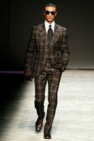 black pattern suit tips for looking good in a patterned suit divine style