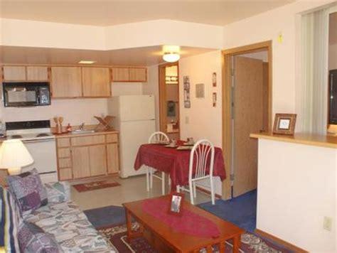 budget suites 2 bedroom bedrooms min studio 1 2 3 4 male models picture