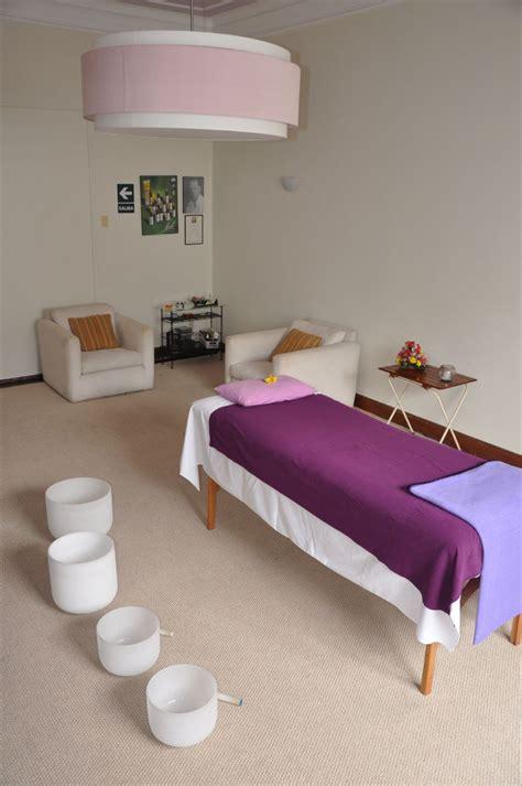 decorar sala masajes violet decoraci 243 n consultorios y salas de terapias