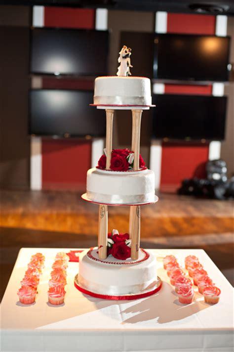 sports themed weddings baseball themed wedding cake ideas