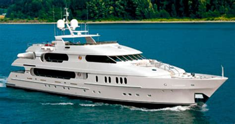 tiger woods boat christensen 155 tiger woods new yacht power motoryacht
