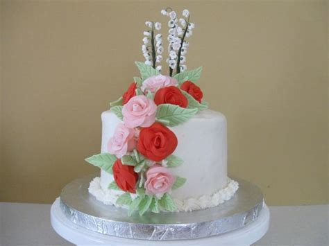 wedding cake first anniversary with bright roses (1