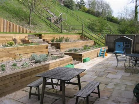 landscaping tips 10 hillside landscaping tips ideas 1001 gardens