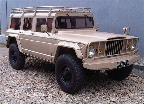 jeep kaiser custom m715 grand wagoneer custom jeeps
