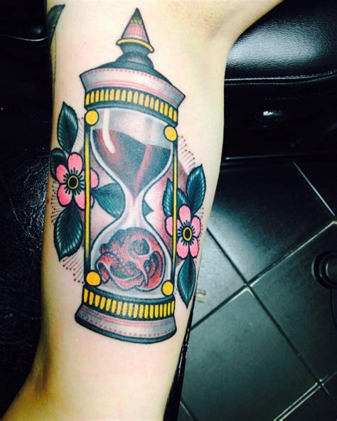 tattoo old school hourglass 85 best hourglass tattoo designs and meanings time is