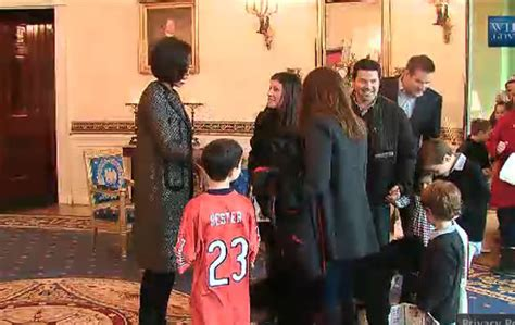 white house tours obama first lady michelle obama surprises white house tour