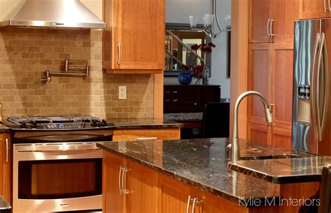 kitchen backsplash cherry cabinets natural cherry cabinets in kitchen with black granite