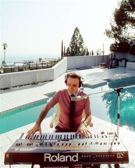 how to write house music 9a066c628340a64cc0b998113d2fe6cf house music electronic music driven to write