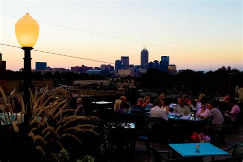 Rooftop Garden Indianapolis by Rooftop Dinning At The Square Theatre Building In