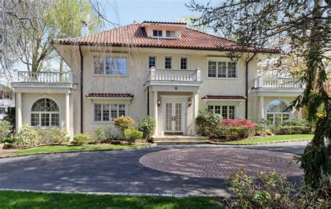 the gatsby mansion f scott fitzgerald s gatsby house for sale for 3 9 million la times