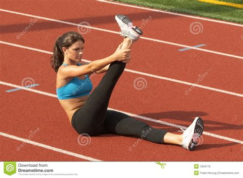 Rack Womer by In Sports Raised Leg On Running