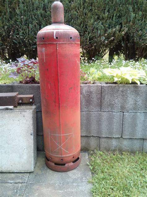 gasflasche feuerstelle feuertonne aus einer gasflasche geschnitzt vorstellung