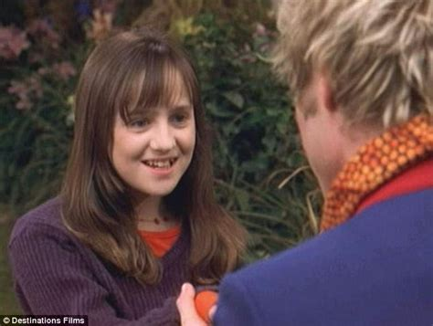 mara wilson thomas mara wilson comes out of retirement for mrs doubtfire