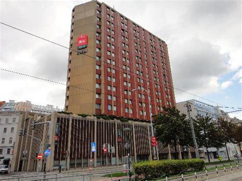 ibis hotel city best dentalimplants hotel ibis picture of hotel ibis wien mariahilf vienna