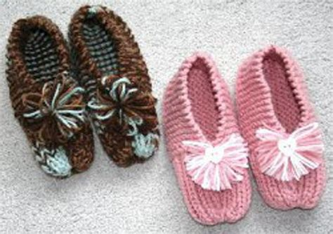 knitted house slippers grandma s knitted slippers pattern favecrafts com