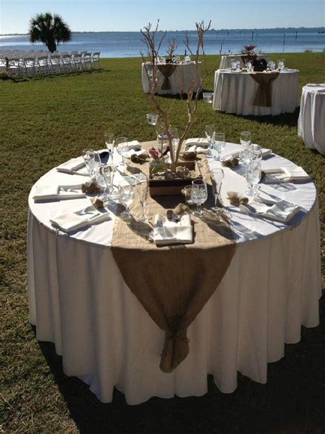 1000 Ideas About Runner On Table - 25 best ideas about burlap table runners on