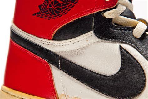 Harga Sneakers Asli prototype asli sneaker air ini dijual dengan harga