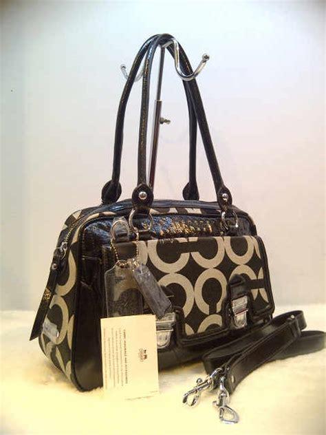 Tas Branded Wanita Coach Black tas berbagai tas wanita yang akan melengkapi
